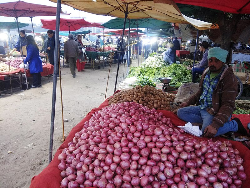 https://en.wikipedia.org/wiki/Farmers%27_market#/media/File:Farmers'_Market_(Apni_Mandi)_in_Chandigarh.jpg